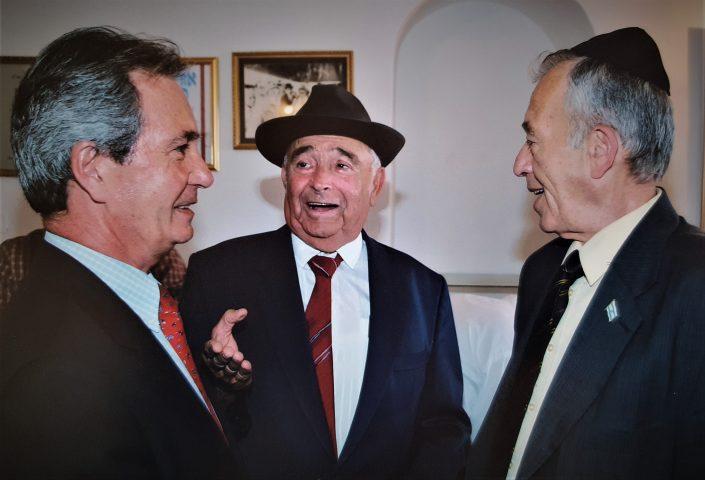 2004 יוסף עבו עברון עם השר גדעון עזרא וקונסול צרפת