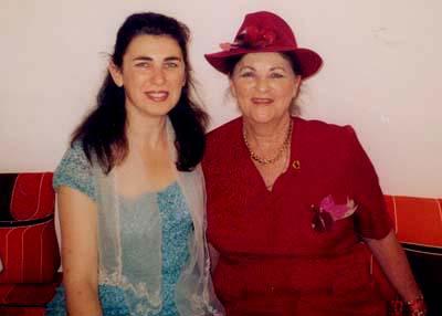 יהודית עבו עברון ובתה רפאלה,בית עבו תשסג 2003