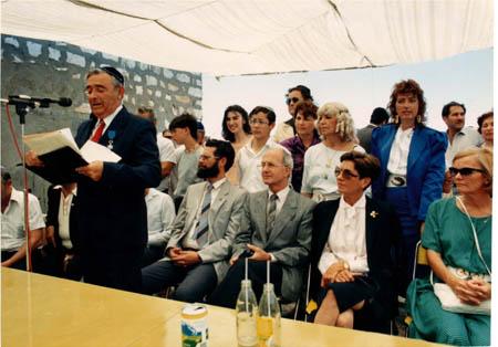 יוסף עבו עברון פותח חגיגות לג בעומר מבית עבו בצפת למירון, 1987