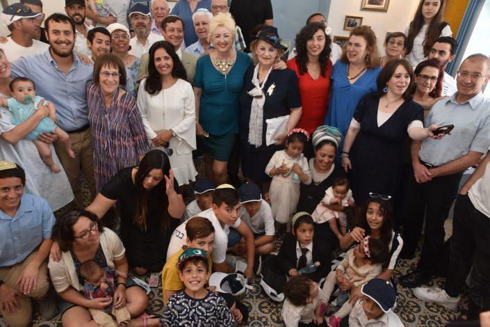משפחת עבו לדורותיה, תמונה משפחתית 2019 - כמעט כולם נכנסו, בפעם הבאה נקווה לעדשה טלסקופית